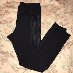 LuLulemon Scalloped ankle legging Sz 4